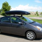 Toyota_Prius_with_Yakima_Q_Towers_rack_and_Thule_Spirit_cargo_box